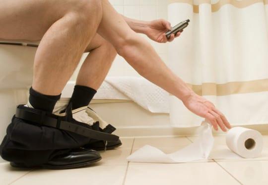 toilet_smartphone