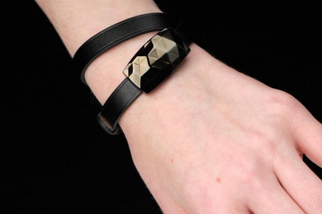 netamo-june-on-wrist-640x426-c