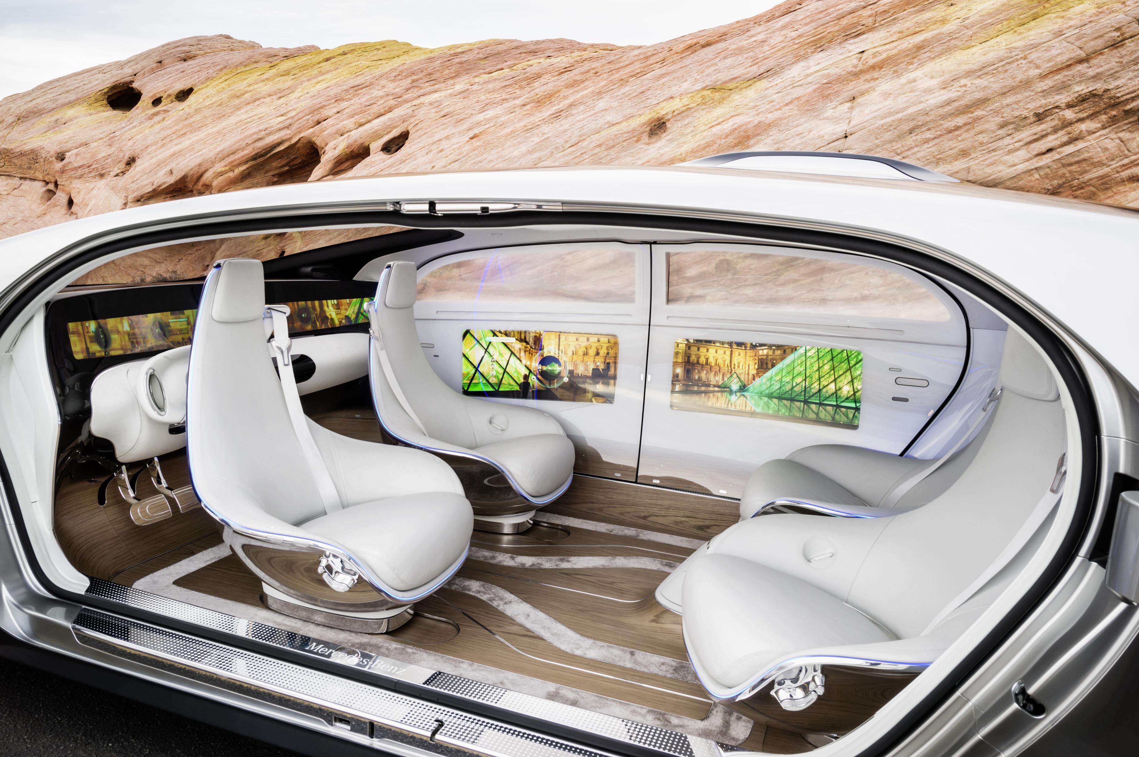 Mercedes benz gaat voorop in de strijd om zelfrijdende for Interieur auto