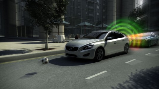 111906_The_all_new_Volvo_V40_City_Safety_Video_Still
