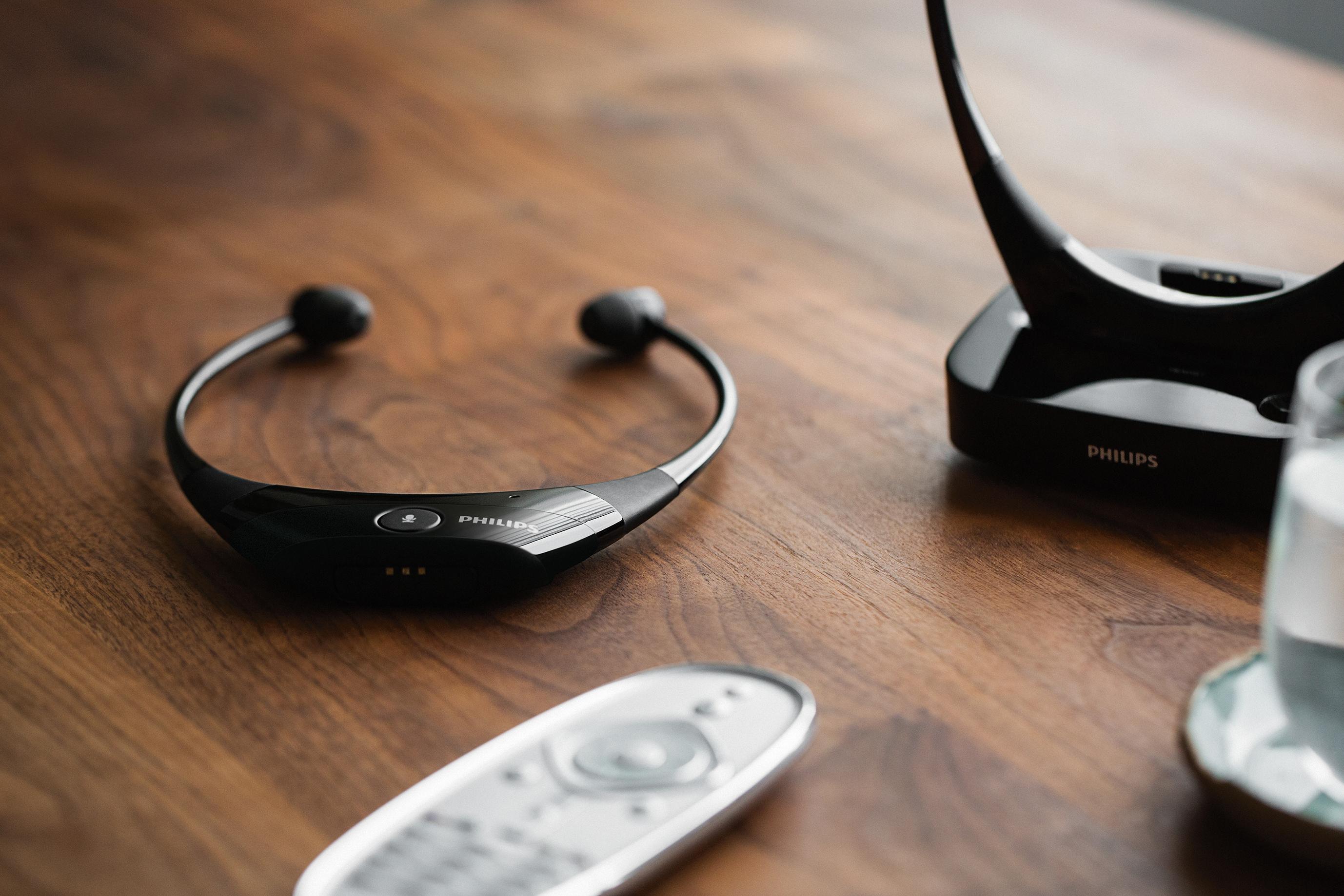 Philips_AudioBoost_TV_headphones_SCC5001_Image 1