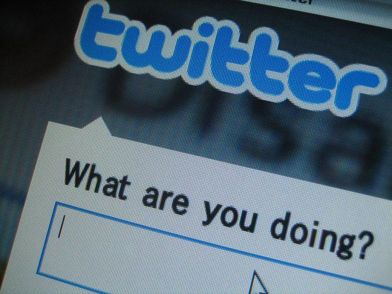 Twitter zou deze week 300 medewerkers op straat willen zetten. Daarmee krimpt het bedrijf in één klap met acht procent in.