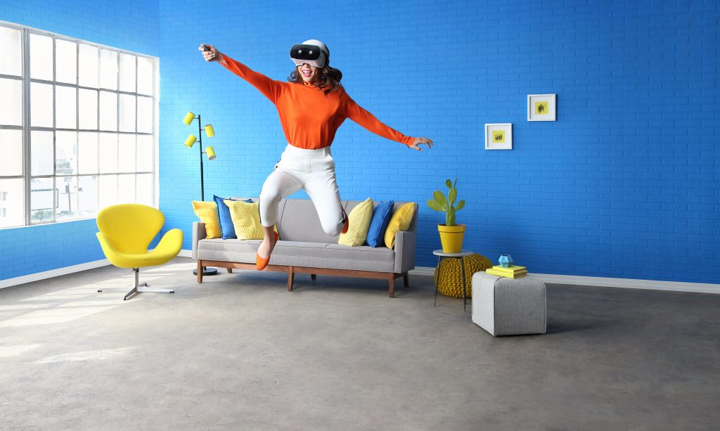 Immersive-VR-with-Lenovo-Mirage-Solo-with-Daydream_2