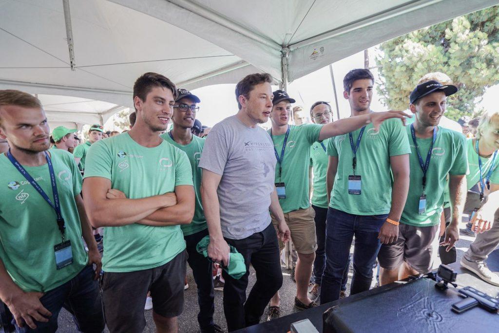Elon-Musk-Hyperloop-TU-Delft
