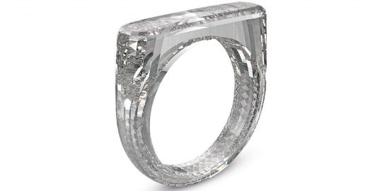 Jony-Ive-diamenten-ring