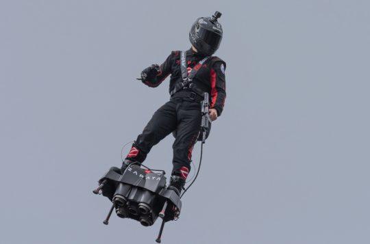 Franky Zapata, Vliegende Fransman, Kanaal, Flyboard